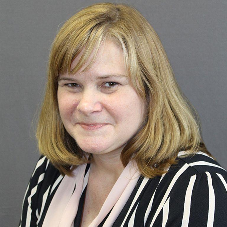 Leslie Pell, CNP